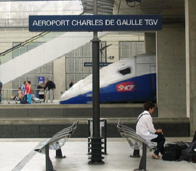 charles de gaulle to loire valley by train cdg to tours. Black Bedroom Furniture Sets. Home Design Ideas