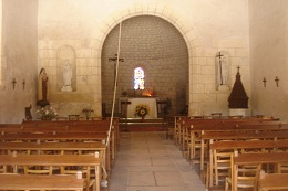 inside-chenonceaux-church