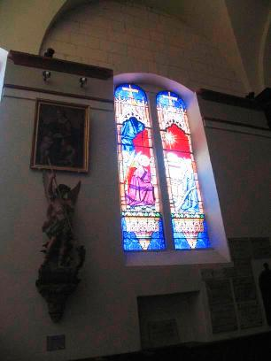 St Anthony's church Loches stained glass 2