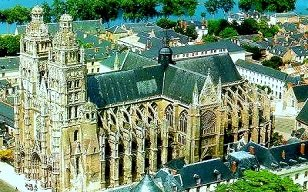 Copy of postcard of Cathedrale St-Gatien in the city of Tours in the Loire Valley