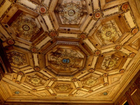 ornate ceiling in the Cabinet des Grelots, study in chateau Beauregard