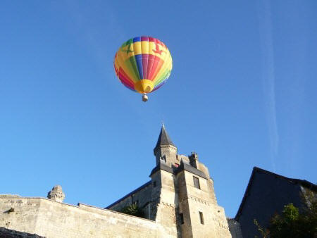 Balloon over Chateau in Le Grand Pressigny