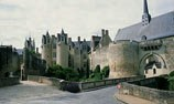 link to chateau de Montreuil-Bellay