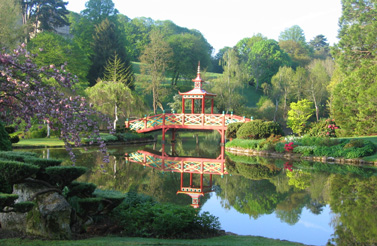 Parks and gardens of the loire valley for Apremont sur allier jardin